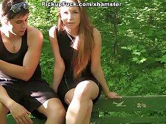 susitiko su mergina ir pakliuvom į į mišką