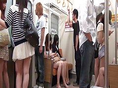 JAP paauglių sekretorius gangbanged skatino traukinys (720p)