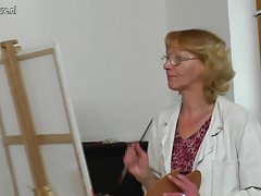 sena močiutė paintress gauna pakliuvom pateikė savo jaunų pavyzdį