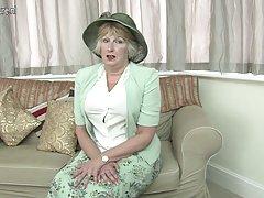 Didžiosios Britanijos lady rodo savo neklaužada pusėje