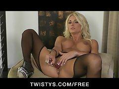 Twistys - karšto šviesūs milf alicia paslaptis erzina & masturbuotis